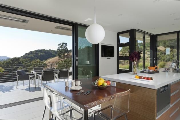 extreme-makeover-modernizes-house-ridge-8.jpg