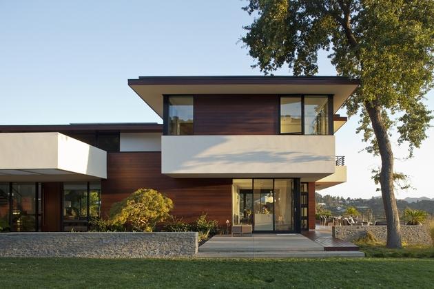 extreme-makeover-modernizes-house-ridge-9.jpg