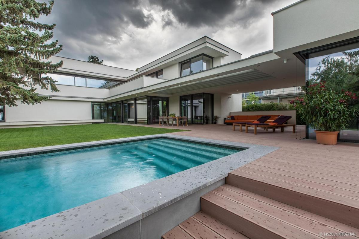 Modern day bauhaus home is a contemporary masterpiece for Modern contemporary swimming pools