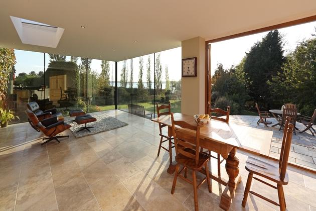 modern-glass-addition-traditional-home-3.JPG