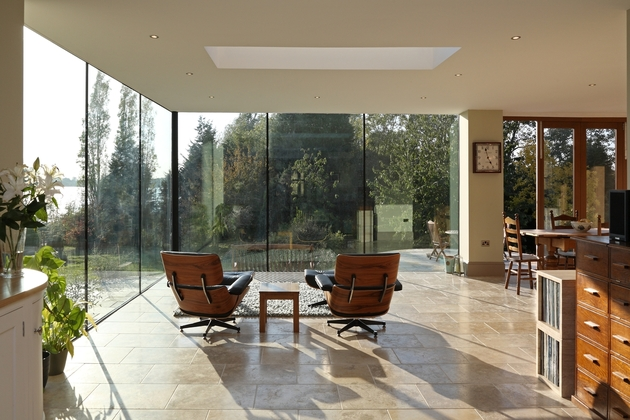 modern-glass-addition-traditional-home-6.JPG