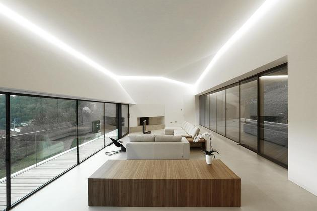 2-story-home-accesses-hillside-both-levels-8.jpg
