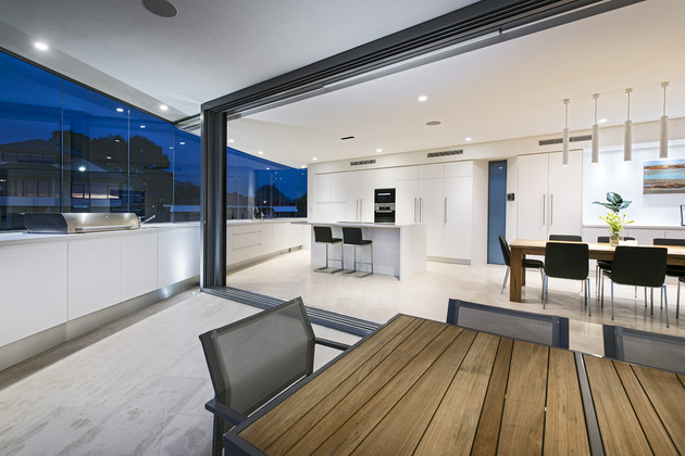 bespoke-beach-home-unique-modern-features-18.jpg