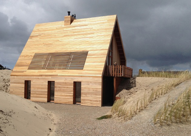 north sea wood house framed in siberian larch 1 thumb 630xauto 53554 North Sea Wood House: Framed in Siberian Larch and Clad in Western Red Cedar