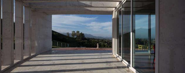 coliseum-like-house-design-7.jpg