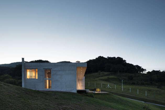 coliseum-like-house-design-8.jpg