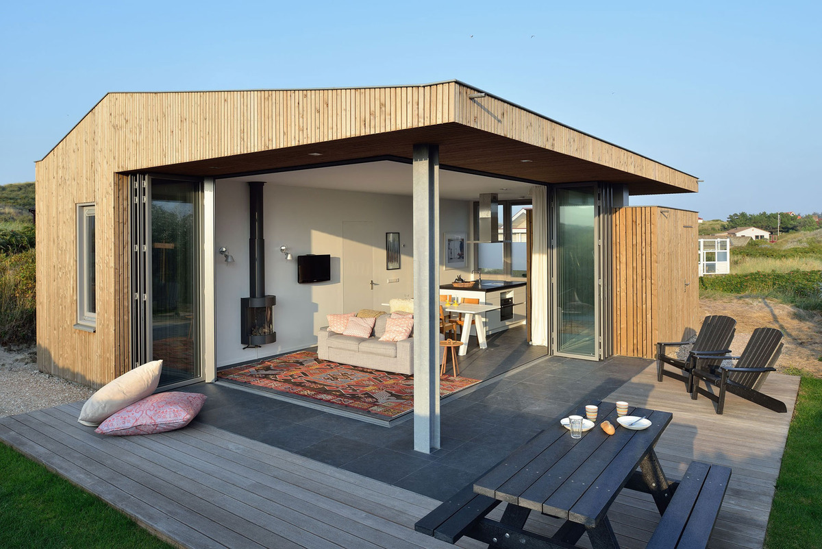 Using Corner Folding Glass Doors Makes this Compact Design a Real ...