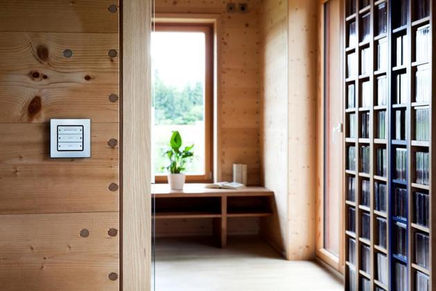 hi-tech-wood-house-gira-10.jpg