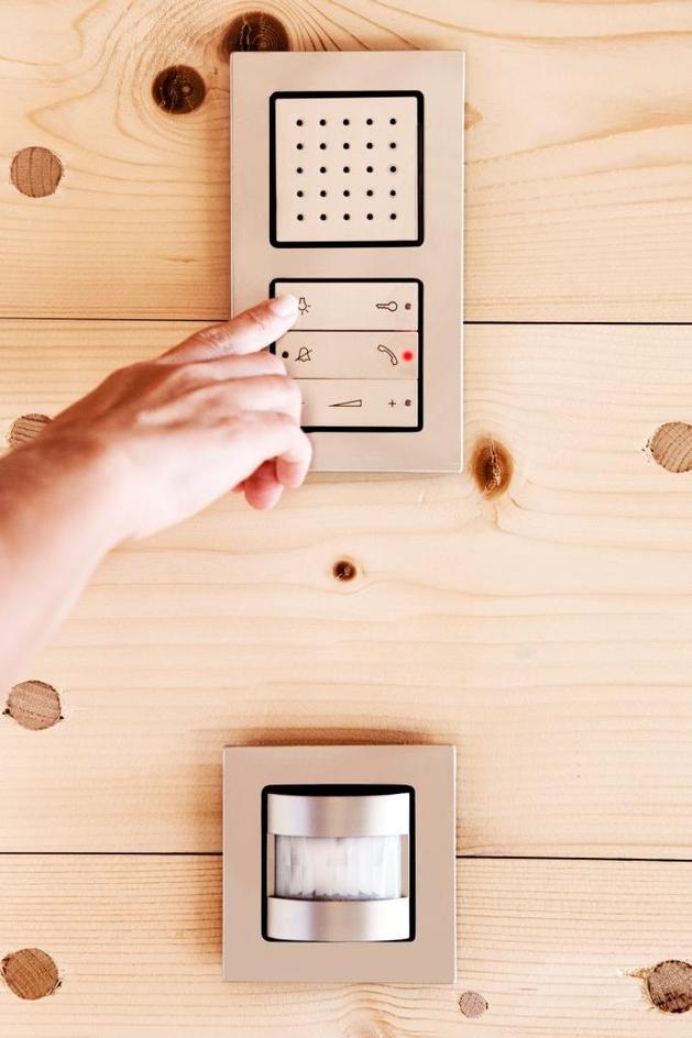 hi-tech-wood-house-gira-14.jpg