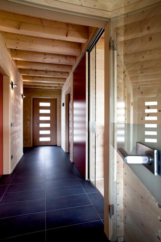 hi-tech-wood-house-gira-9.jpg