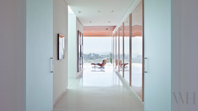 mid-century-modern-house-ca-william-hefner-13-hallway.jpg