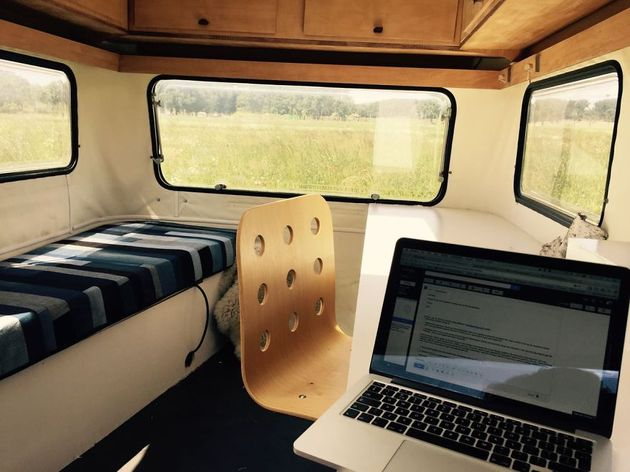 off-the-grid-mico-mobile-office-kantoor-karavaan-7.jpg