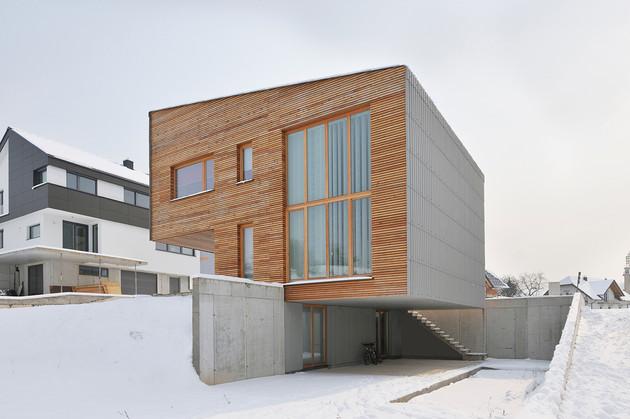small-wood-homes-for-compact-living-22b.jpg