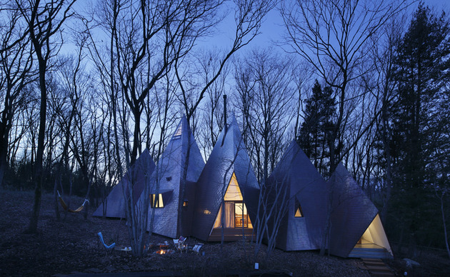 timber-vacation-house-shaped-as-tepee-7.jpg