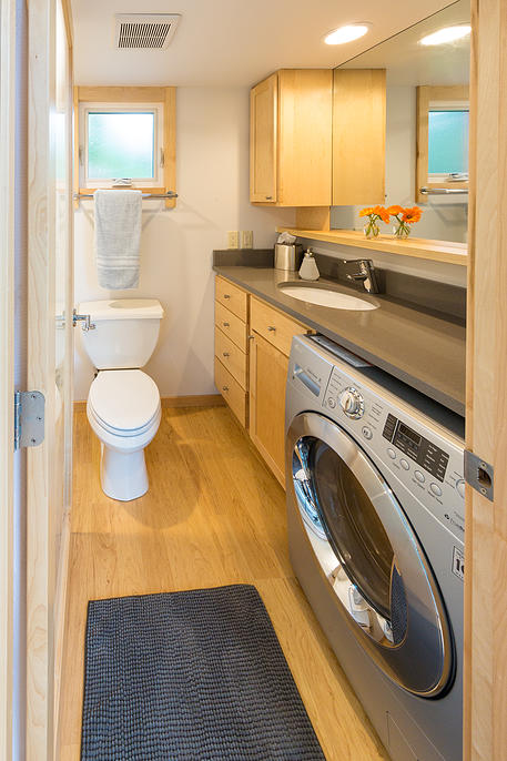 tiny-home-on-trailer-escape-homes-traveler-11-bathroom.jpg