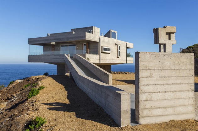 concrete holiday home chile gubbins arquitectos 1 thumb 630xauto 55829 Fortress Like House is a Holiday Retreat by Gubbins Arquitectos