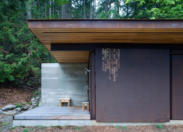 one-room-cabin-steel-panel-slider-olson-kundig-2.jpg