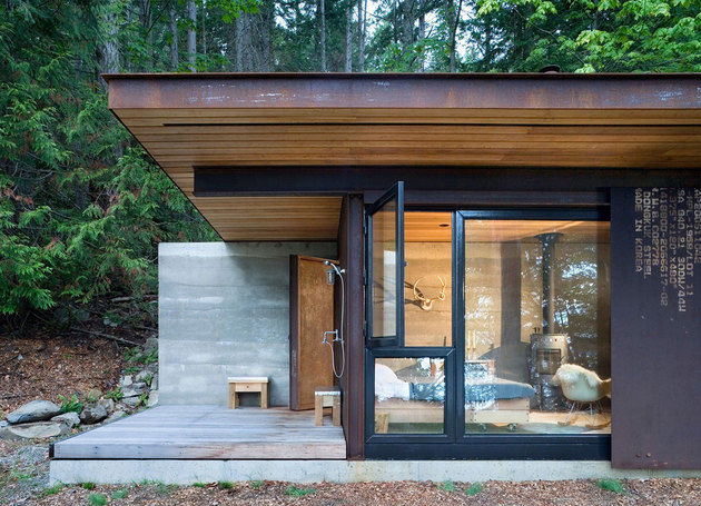 one-room-cabin-steel-panel-slider-olson-kundig-2a.jpg