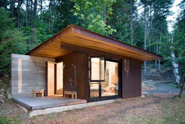 one-room-cabin-steel-panel-slider-olson-kundig-3.jpg