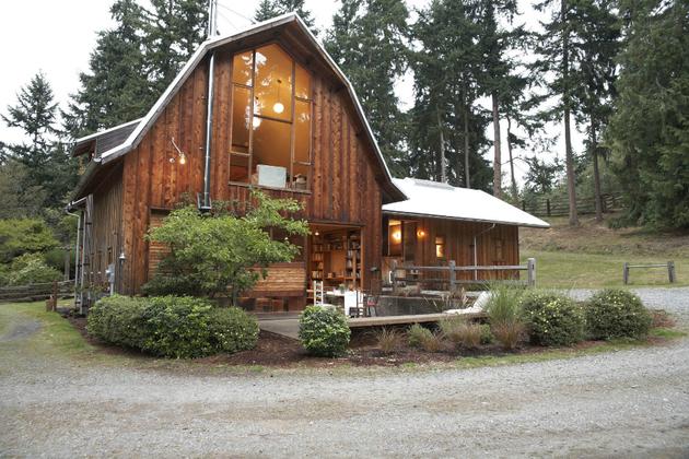 barn-design-home-beautiful-wood-3.jpg
