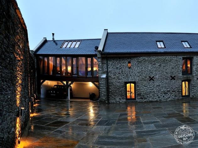 barn-style-home-green-oak-conversion-back.jpg
