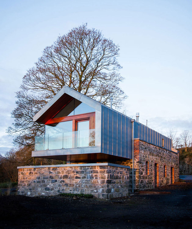 barn-style-house-irleand-cantilvered-side.jpg