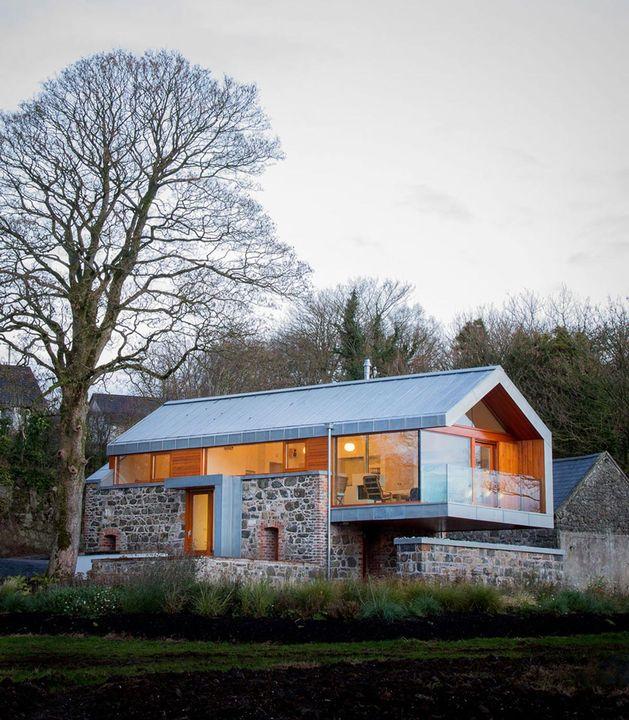barn-style-house-irleand-cantilvered.jpg
