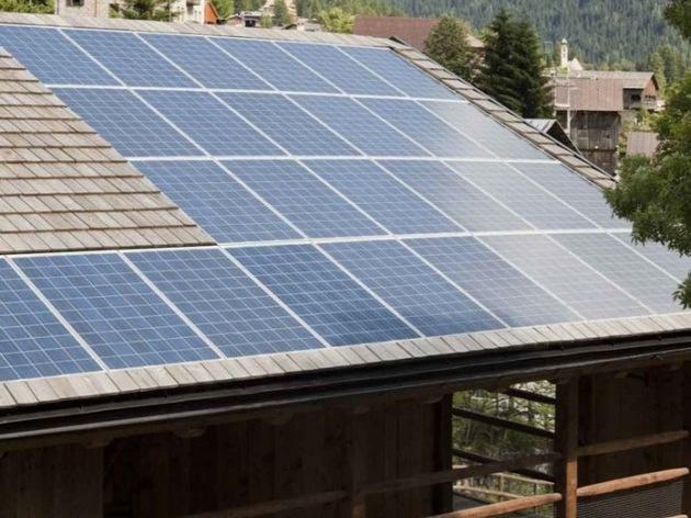 barn-style-house-with-solar-roof.jpg