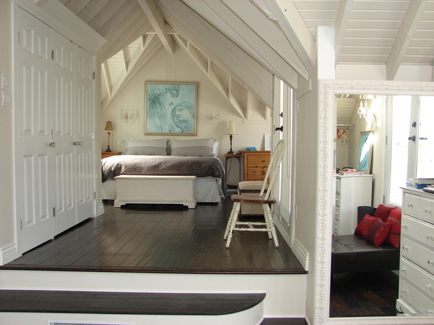 floating-homes-interiors-granville-bedroom.jpg