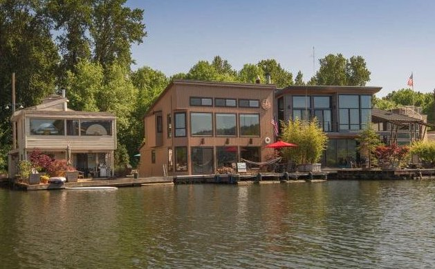 floating-homes-interiors-oregon-exterior.jpg