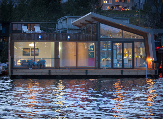 floating-homes-interiors-portage-bay-exterior.jpg