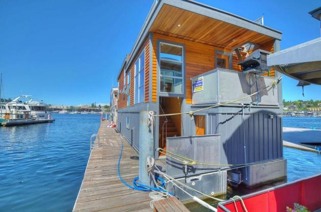 floating-homes-interiors-wood-exterior-cj.jpg