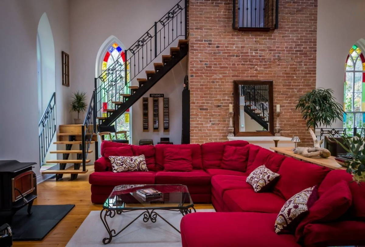 Converting Churches Into Homes 12 Renovations For The Soul