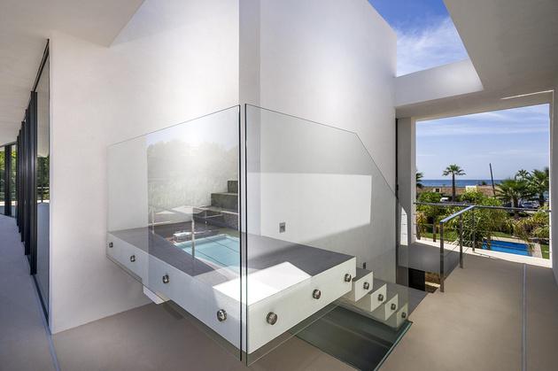 12-modern-mediterranean-home.jpg