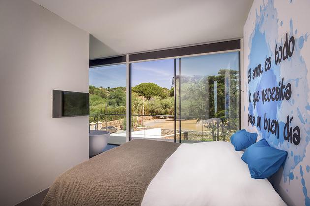 14-modern-mediterranean-home.jpg