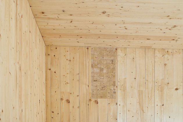 7-prefab-lakeside-cottage-cross-laminated-timber-construction.jpg