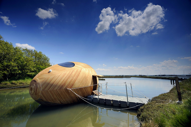 floating architecture exbury egg home thumb 630xauto 57741 Floating House Architecture: 12 Wow Designs on the Water