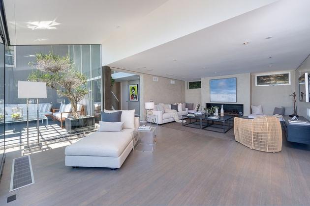 malibu-beach-house-living-room.jpg