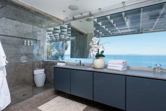 malibu-beach-house-master-bedroom-one-bath.jpg