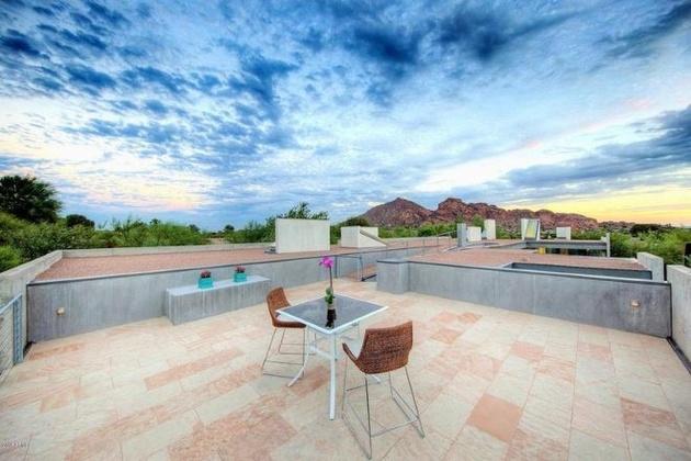 modern-desert-home-steven-holl-top-deck.jpg