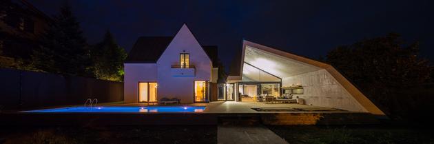 1 asymmetrical concrete addition modernises existing home thumb 630xauto 60088 Asymmetrical Concrete Architecture