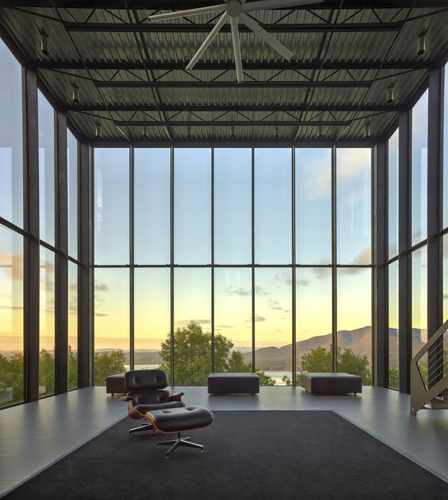 11-wood-steel-concrete-glass-home-disappears-landscape.jpg