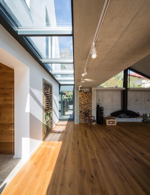 12-asymmetrical-concrete-addition-modernises-existing-home.jpg