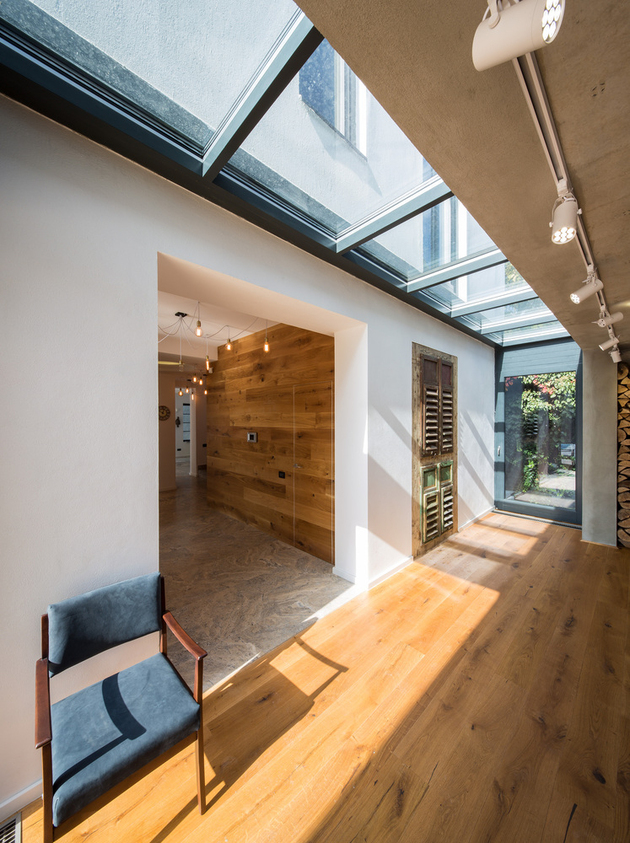 16-asymmetrical-concrete-addition-modernises-existing-home.jpg