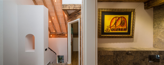 19-asymmetrical-concrete-addition-modernises-existing-home.jpg