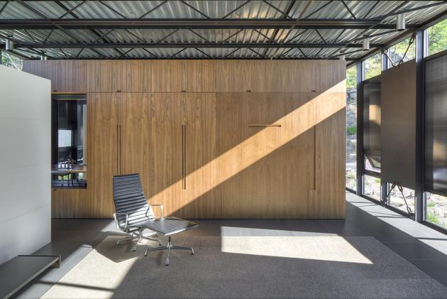 24-wood-steel-concrete-glass-home-disappears-landscape.jpg