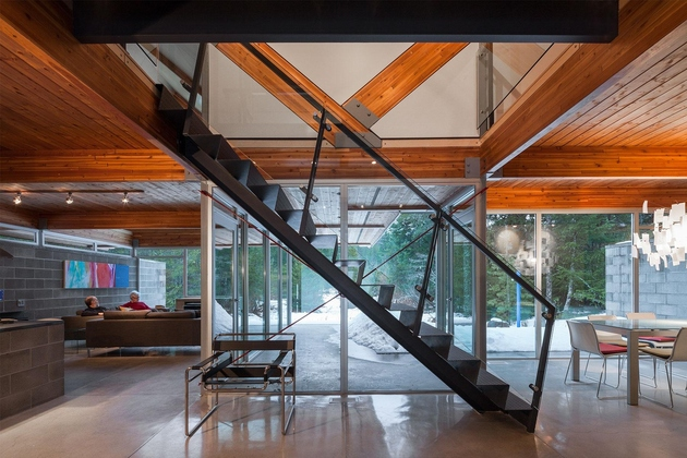 6-home-engineered-glulam-structure-main-design-feature.jpg