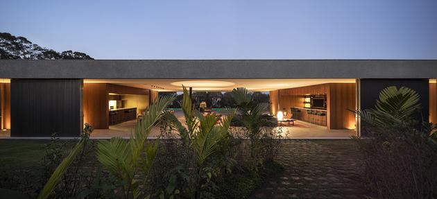 13-house-open-both-sides-cross-ventilation.jpg