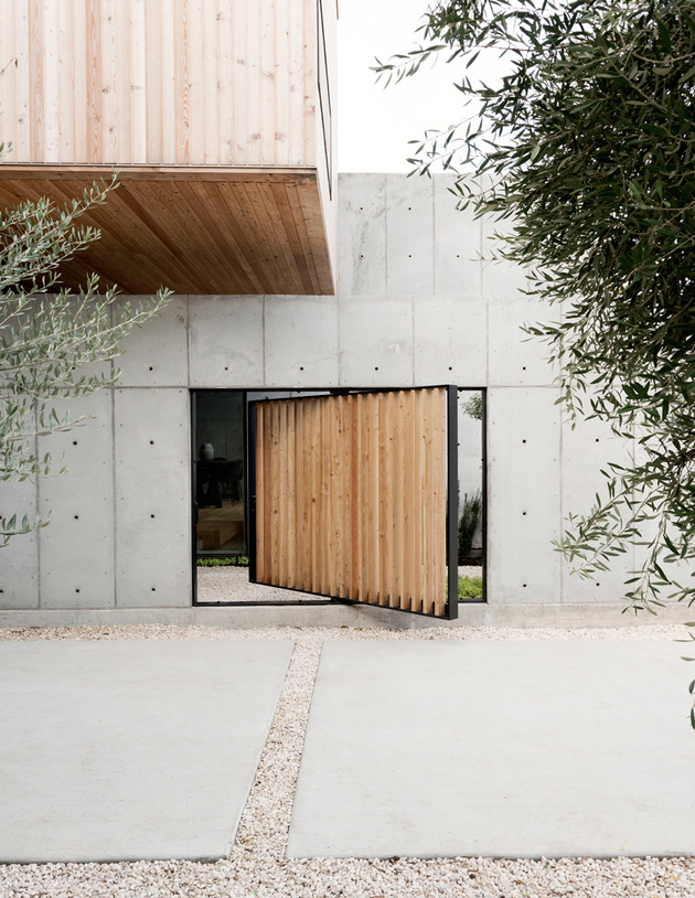 2 house concrete wood cubes japanese design thumb autox814 61303 Concrete Box House Influenced by Japanese Design