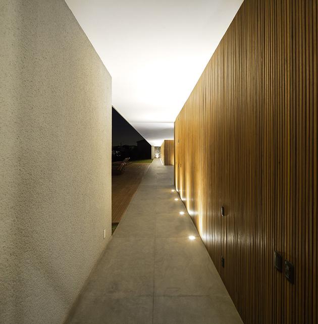 23-house-open-both-sides-cross-ventilation.jpg